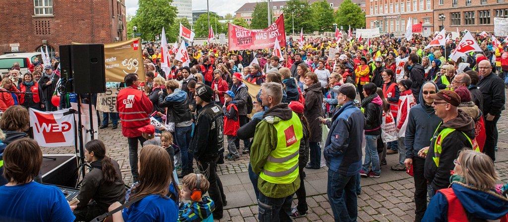 Demonstration der Sozial- und Erziehungsdienste mit den KollegIn