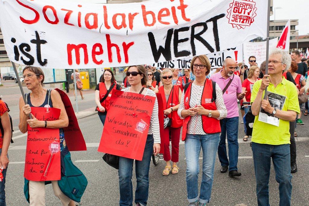 Demonstration für die Sozial- und Erziehungsdienste in Hannover