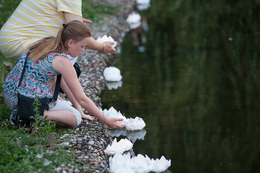 Lotosblüten für Hiroshima und Nagasaki in Kiel