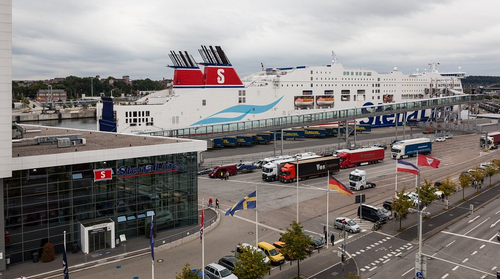 Stena-Terminal und Fähre in Kiel