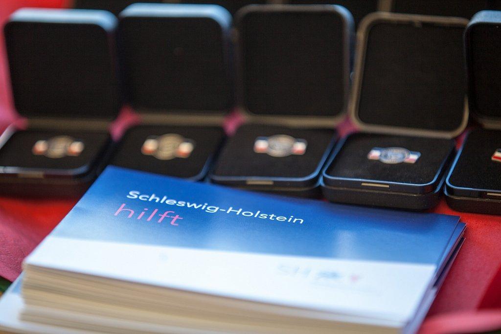 Würdigung von 40 ehrenamtlichen Helferinnen und Helfern der Flüchtlingshilfe in Schleswig-Holstein