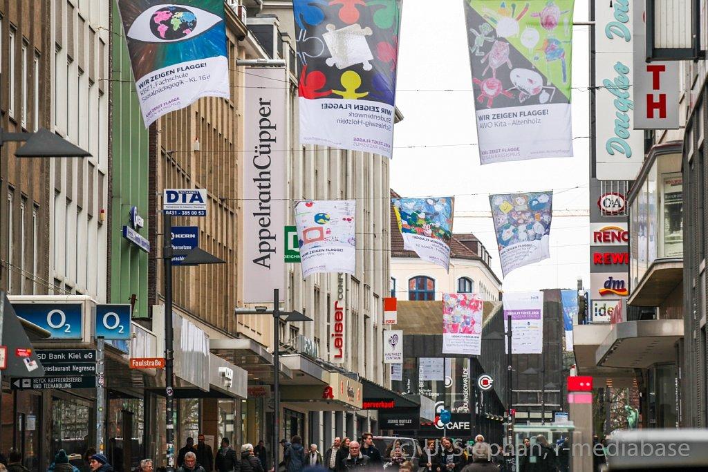 Kiel zeigt Flagge gegen Rassismus