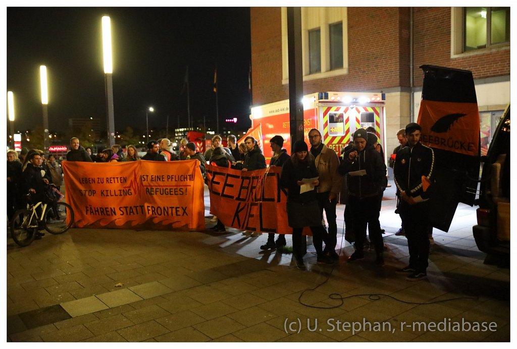 Kiel als Sicherer Hafen - Seebr?cken-Demonstration in Kiel