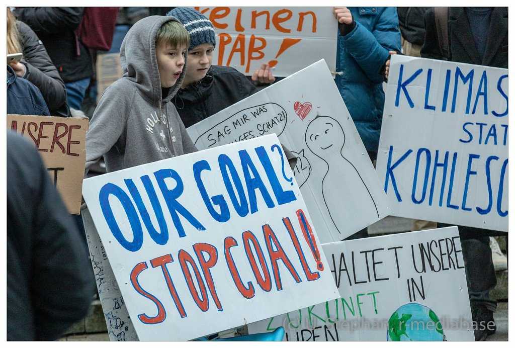 Schulstreik f?r das Klima in Kiel vor dem Landeshaus